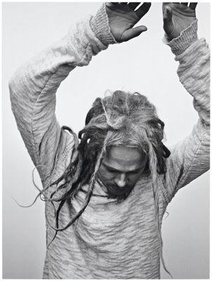 Brad Pitt in rolul lui Bob Marley