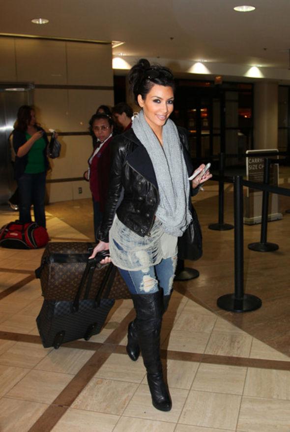 Kim Kardashian Knit Scarf
