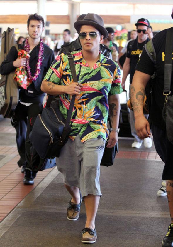Bruno Mars valiza de nylon