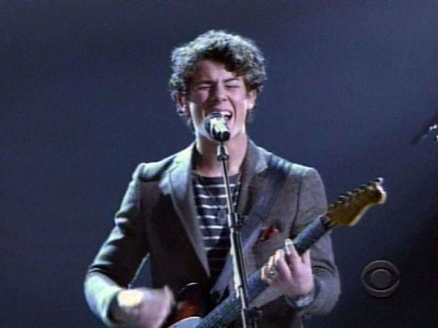Nick Jonas la Grammy Nominations Concert Live