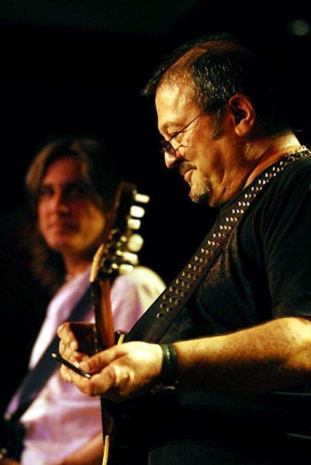 Live @ Hard Rock Cafe 2008.
