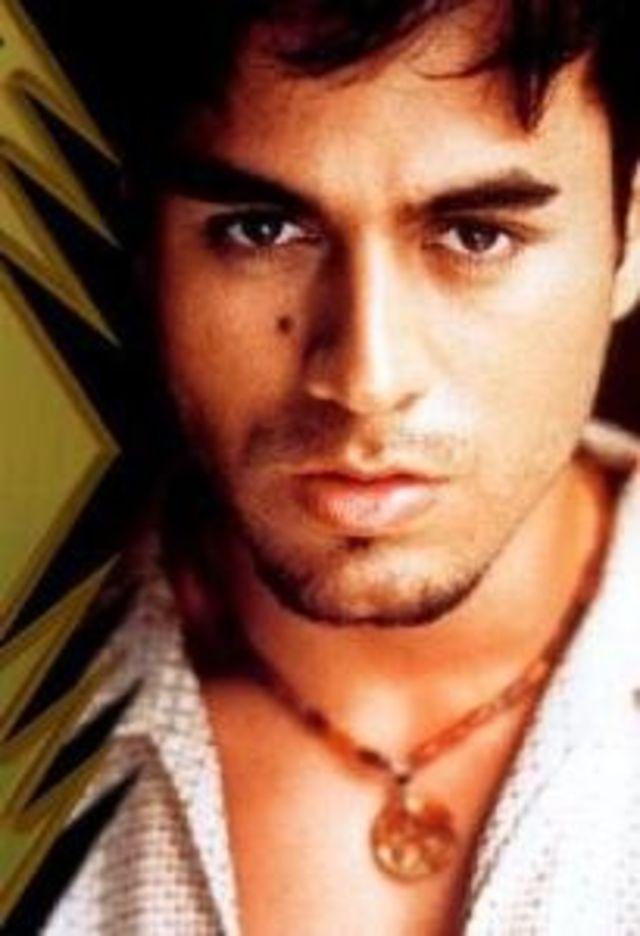 Noul album Enrique Iglesias, difuzat pe Pro FM