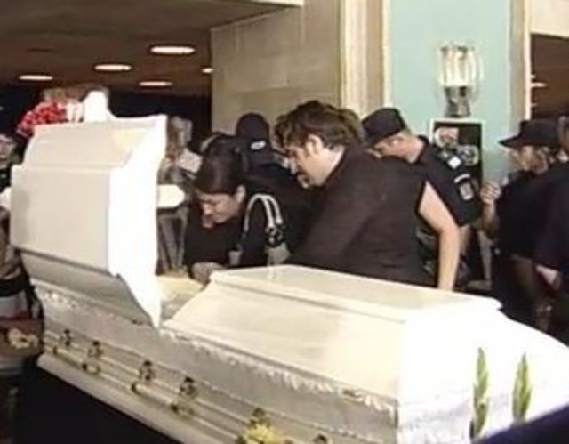 Poze inmormantare Madalina Manole