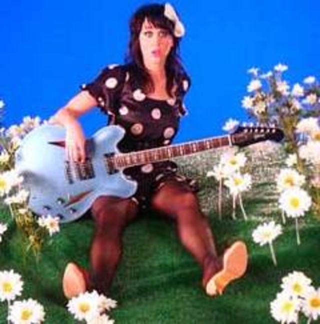 Katy Perry, Valentine`s Day cu Benji Madden
