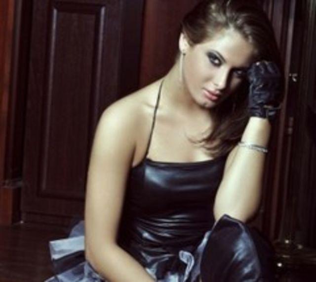 Raluka (DJ Sava & Raluka) a fost ceruta in casatorie