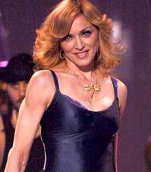 Madonna pentru prima data in Romania, cu Sticky & Sweet Tour!