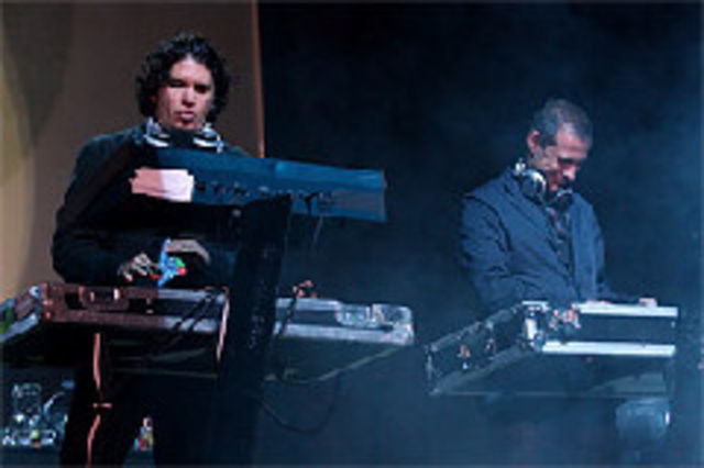 Thievery Corporation canta la B'estfest