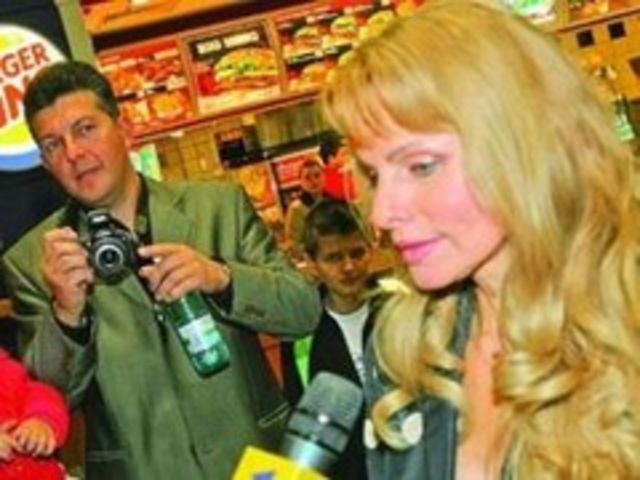 Anastasia Lazariuc se casatoreste