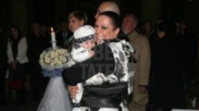 Monica Anghel si-a botezat baietelul (poze)