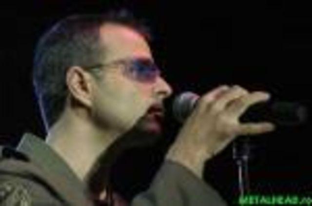 Primul solist vocal Directia 5 revine pe piata muzicala