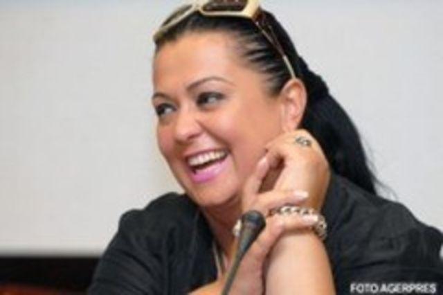 Monica Anghel mai vrea un copil