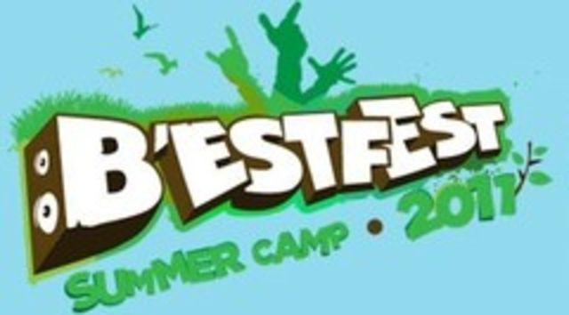 Zece studenti din Marea Britanie se alatura echipei Bestfest Summer Camp