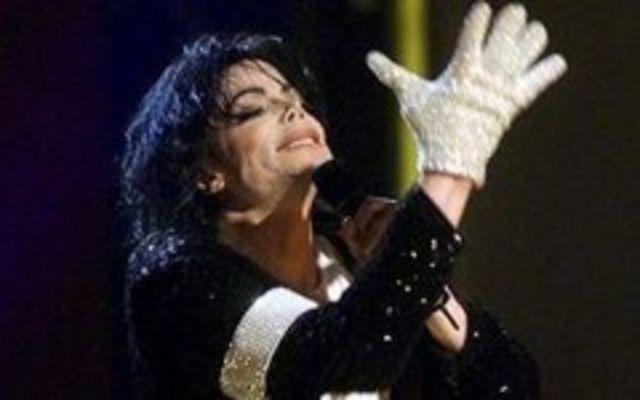 Michael Jackson, cea mai buna voce masculina