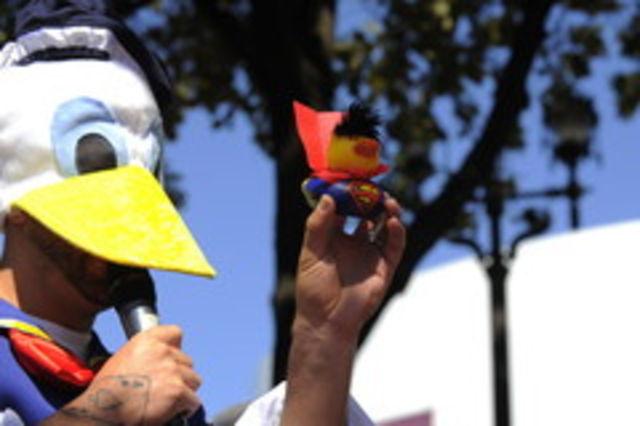 CRBL costumat in Donald Duck si Cabral si-a motorizat rata la cursa ProFM