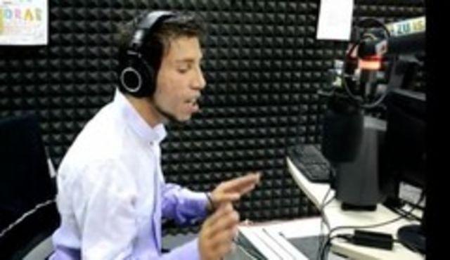 Iulian Vasile, lautarul de la X Factor, live la Radio ZU (video)