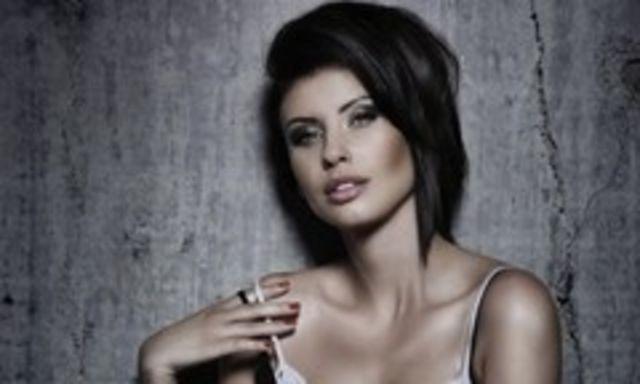 Natalia Barbu are pofte: mananca prajituri la 4 dimineata