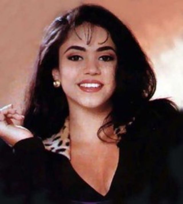 Shakira 1990 New old photos of 13-old youngney are the live. is dat ... Shakira Youtube