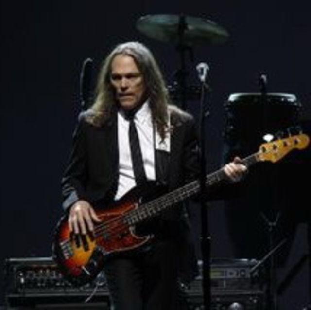 Timothy B. Schmidt (Eagles) lucreaza la un album solo