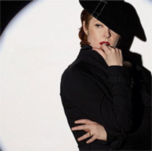 Exclusiv BestMusic - Suzanne Vega in concert la Bucuresti