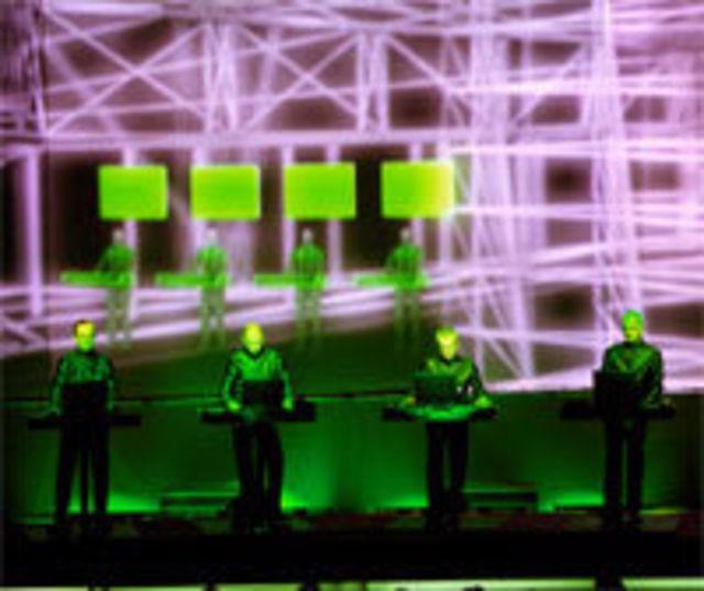 Radiohead ii declara pe Kraftwerk `idoli muzicali`