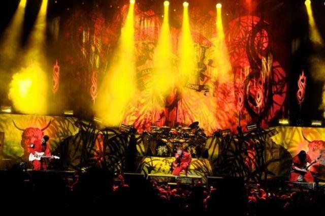 Slipknot trec peste pierderea lui Paul Gray cu un album si un festival