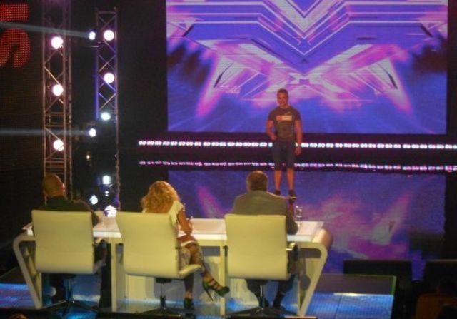 """Cheloo a facut prima victima la X Factor: """"Hai, vreau sa il fluierati toti! Vreau sa fie huiduit!"""""""