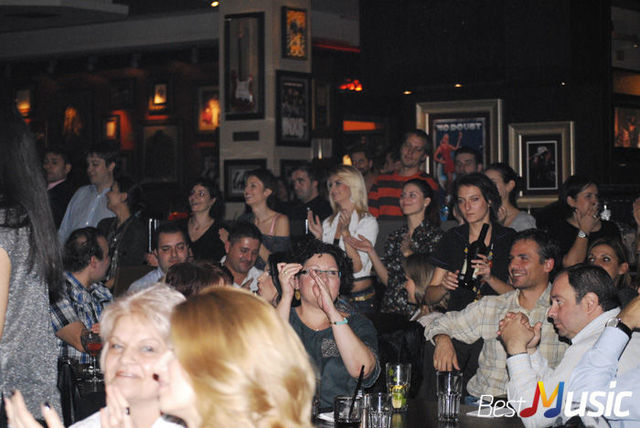 Poze Public Concert Smiley in Hard Rock Cafe