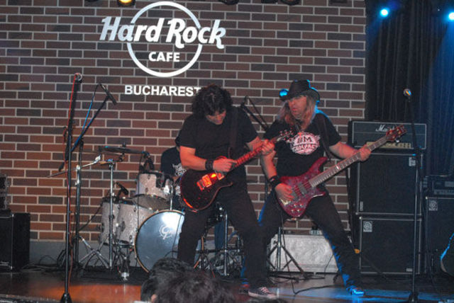 Poze Compact Hard Rock Cafe