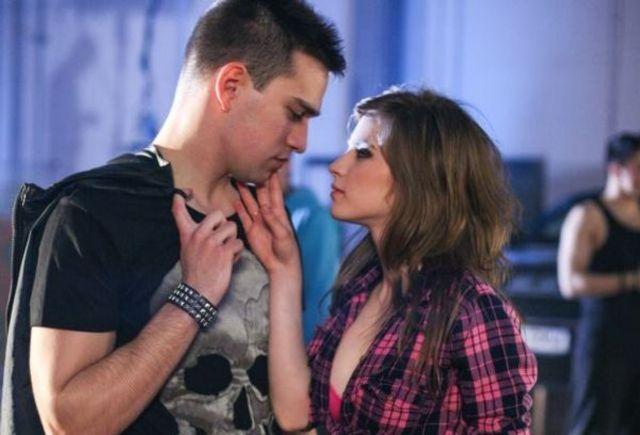 Pariu cu viata sezonul 1 episodul 6 intreg online dating 6