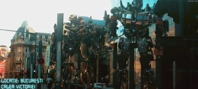 Funny: Transformers in Bucuresti (video explicit)