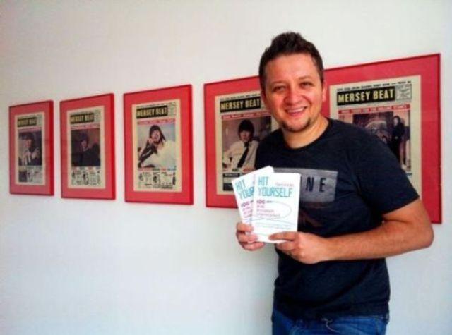 """Florin Grozea (Hi-Q) vorbeste despre cartea """"Hit Yourself"""" (interviu video, partea a II-a)"""