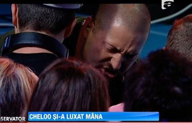 Cheloo si-a dislocal umarul la auditiile X Factor (video)