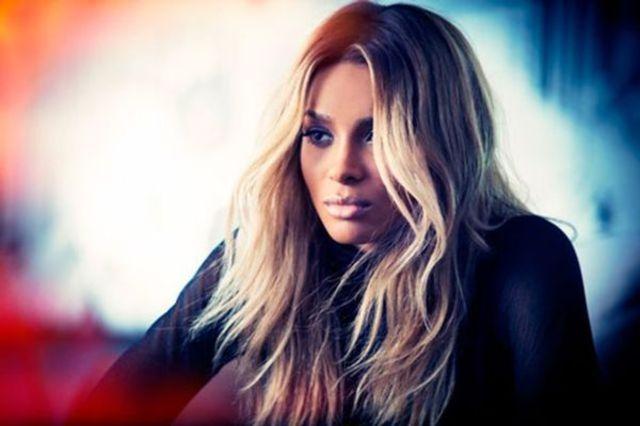 Ciara isi vinde noul album pe Groupon