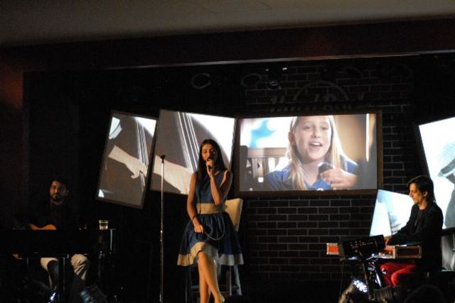 Poze concert Alexandra Usurelu, Mariano Castro (Narcotango) si Bobby Stoica in Hard Rock Cafe
