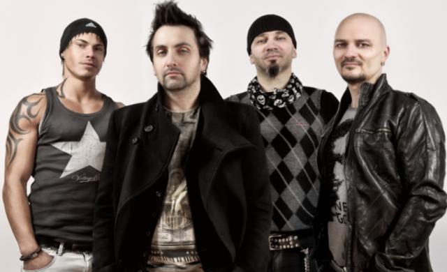 Antract canta in scop caritabil la Hard Rock Cafe