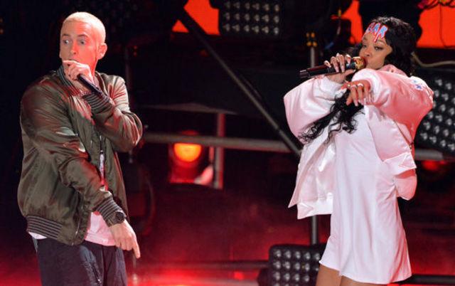 Eminem & Rihanna - The Monster live @ MTV Movie Awards 2014 (video)