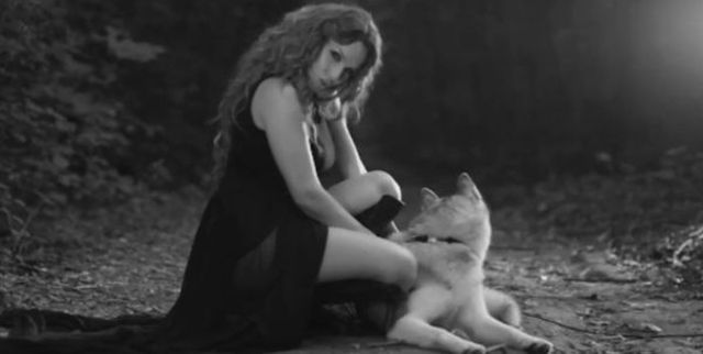 Anna Lesko - Foc si scrum (videoclip nou)