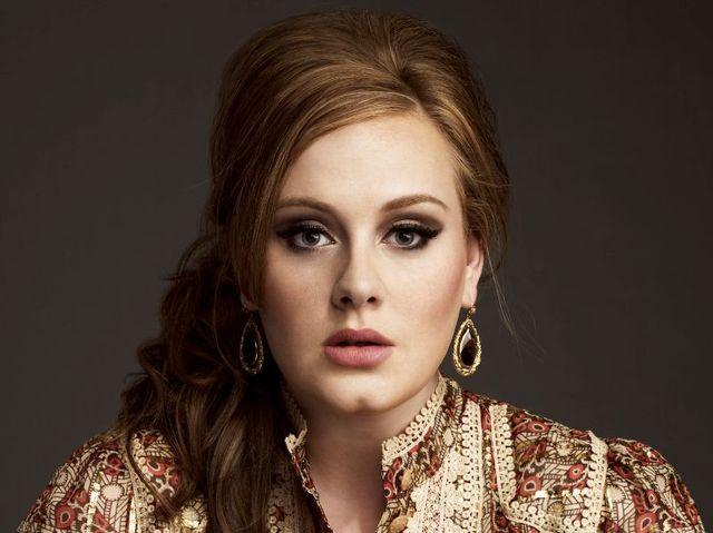 Adele, Ed Sheeran, Bono si multi altii inregistreaza Do They Know It's Christmas in scop caritabil