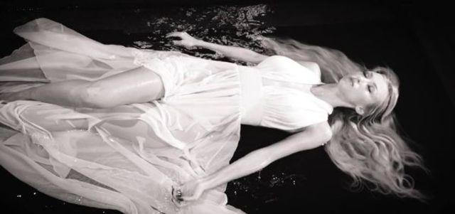 Andreea Balan canta despre despartirea de Keo - Rece (videoclip nou)