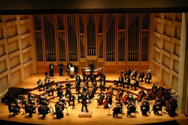 Cum suna hiturile celebre in interpretare simfonica?