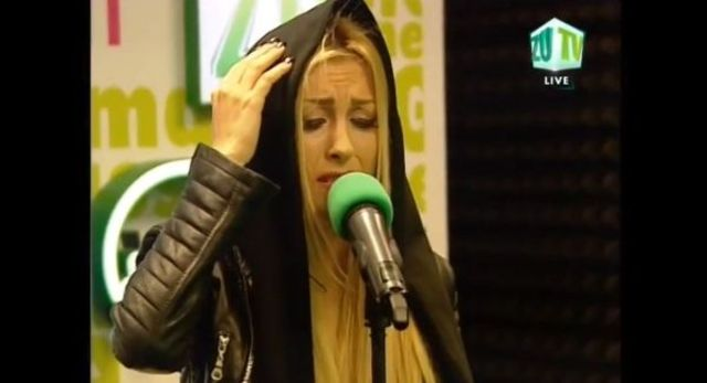 Andreea Balan - Rece / Nothing Compares To You live @ Radio Zu (video)