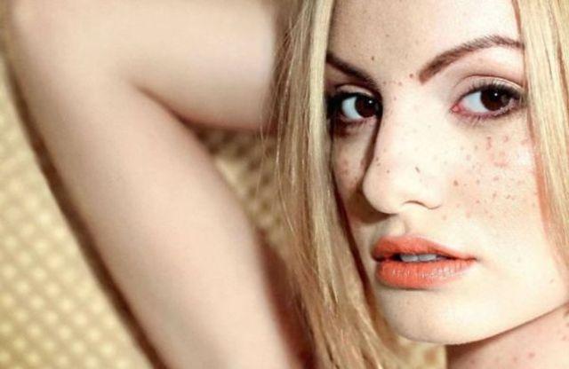 Vocea Romaniei: Alexandra Stan canta Vanilla Chocolat in semifinala