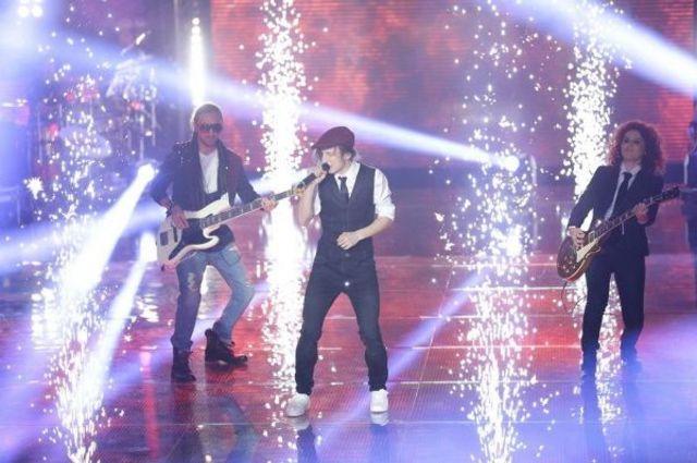 Vocea Romaniei, sezon 4: vezi prestatiile din semifinala (video)