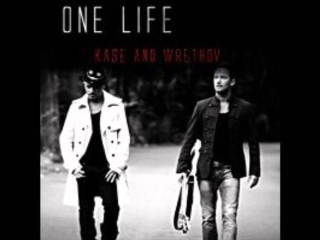 Kase & Wrethov lanseaza singleul One Life