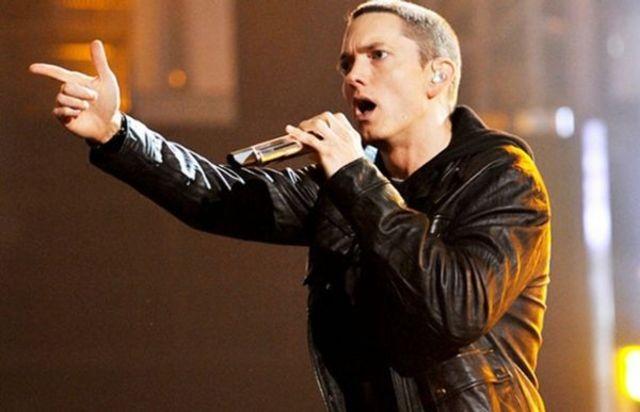 "Eminem a lansat documentarul ""Not Afraid"""