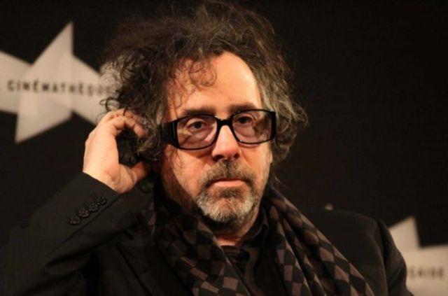 """Tim Burton va regiza filmul Disney """"Dumbo"""""""