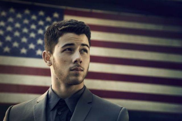 """Nick Jonas isi continua cariera solo prin lansarea clipului """"Chains"""" (video)"""