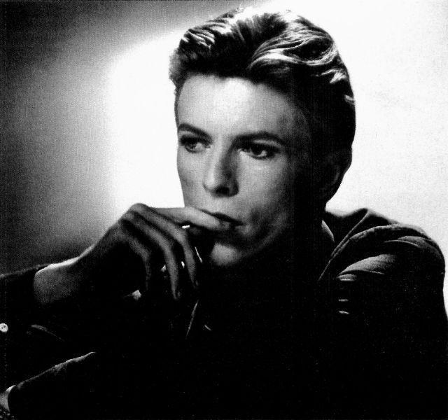 David Bowie scrie piese pentru un nou show