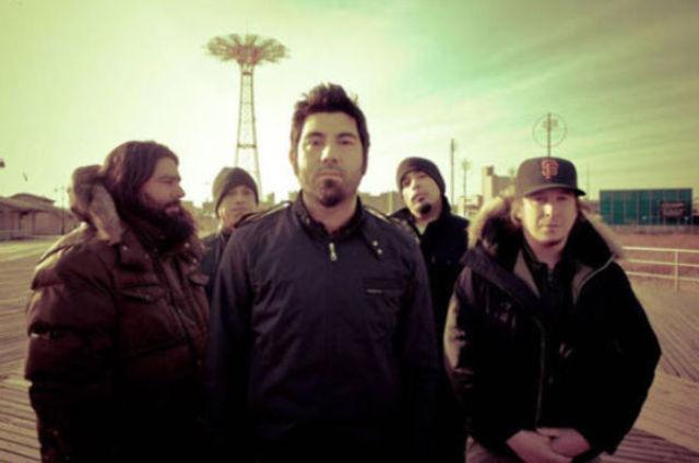 Noul album Deftones va include o colaborare cu Jerry Cantrell de la Alice in Chains
