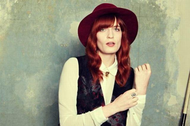Florence and The Machine sunt din nou pe primul loc in topul din Marea Britanie